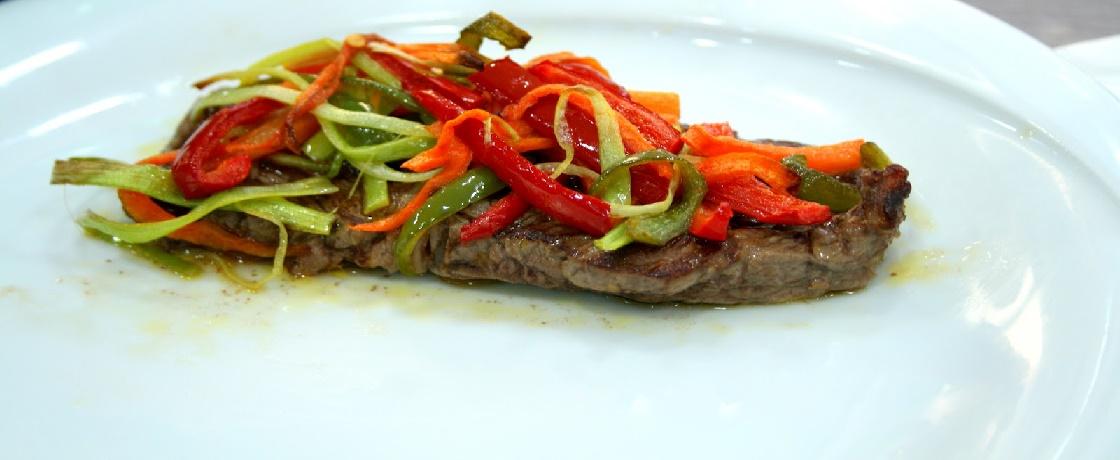 Sebzeli biftek, Sebzeli biftek tarifi, diyet Sebzeli biftek, Sağlıklı tarifler, sağlıklı yemek tarifleri, diyet yemekler, diyet tarifler, diyet yemek tarifler, gerçekdiyetisyenler yemek tarifleri, Gerçek Diyetisyenler yemek tarifleri,