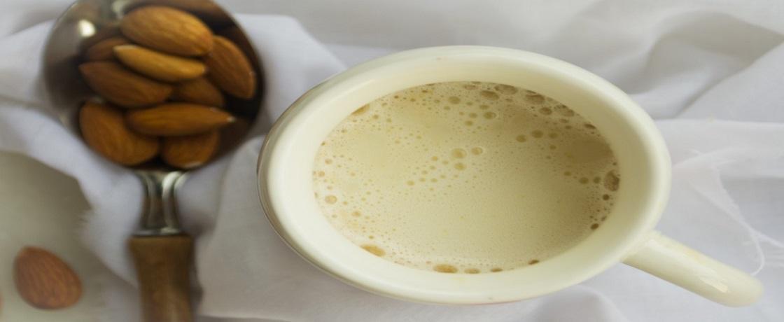 badem sütü, badem sütü kalorisi, badem sütü faydaları, diyette badem sütü,