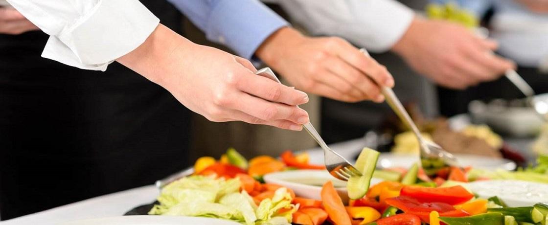 dışarda ev dışında sağlıklı beslenme diyet