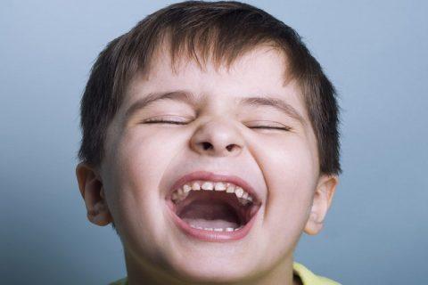1 nisan şakası, nisan bir, komik, çocuk, gülümseme
