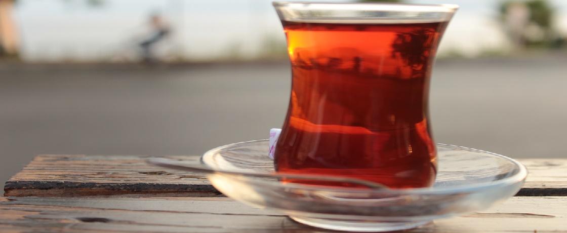 çay diyet, çay zararlı mı, diyette çay içilir mi, kahvaltıda çay, çay kaç kalori, yeşil çay, siyah çay kalorisi